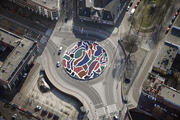 herinrichting VaillantpleinDen-Haag 2005.